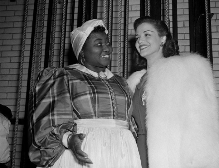 "3/28/1941- New York: Stars at Greek war relief benefit. Hattie McDaniel, who won an Academy Award for her role in the movie ""Gone With The Wind,"" and Carol Bruce, musical comedy star, were among those celebrities who appeared at the Greek War Relief at the Radio City Music Hall."