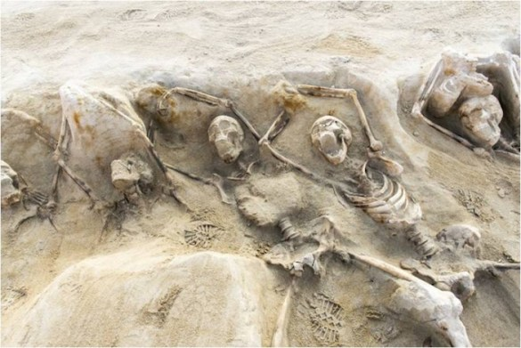 (Photos) Grizzly Find of Shackled Skeletons Could Be From Ancient Athenian Revolt Tied to Social Inequality and Rich Versus Poor