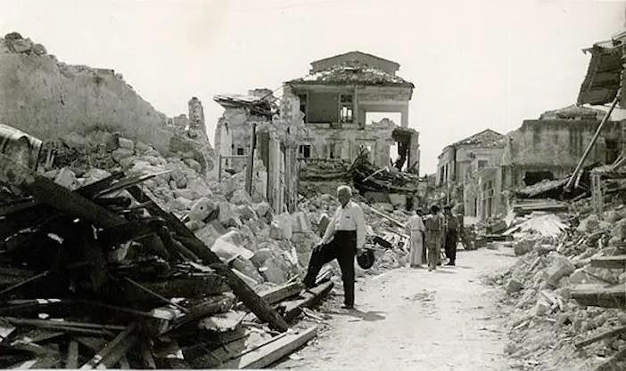 Devastazione a Cefalonia, agosto 1953.