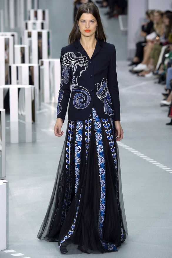 Mary Katrantzou Returns to Her Greek Roots with Classical Goddesses and Minoan Princesses in Spring 2017 Collection