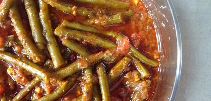 A Classic from The Greek Vegan: Fasolakia (Green Beans in ...