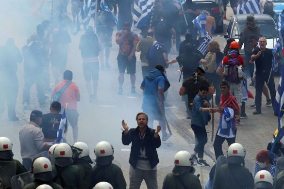 FYROM Officials Suspect Greek-Russian Billionaire Paid for Violent Anti-NATO Protests