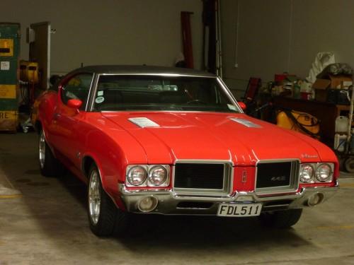 A kereskedés tulajának 1971-es Oldsmobile 442-je (nem eladó)