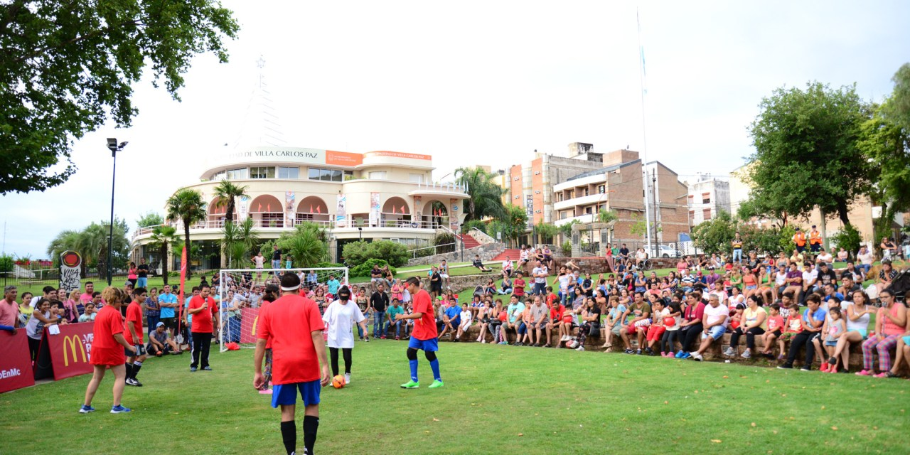 McDonald's organizó una exhibición de fútbol 5 para ciegos en Villa Carlos Paz