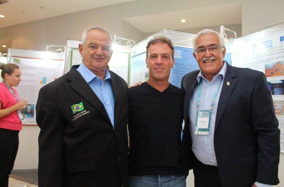 Osvaldo Hernández participó de Congreso Internacional de Río de Janeiro
