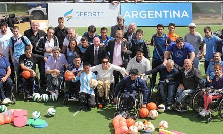 El deporte paralímpico recibió material deportivo en el CENARD