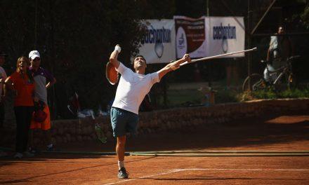 Tenis adaptado de pie: clínica para la inclusión y exhibición en Vélez Sarsfield