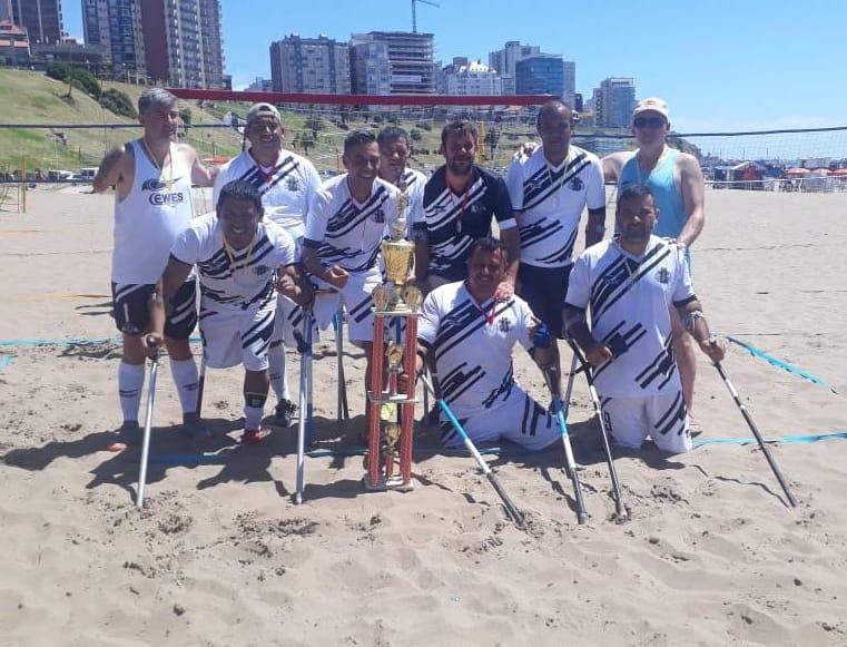 Fútbol para amputados: Mar del Plata recibió el primer torneo de playa