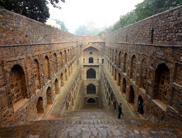 De vergankelijke schoonheid van oude waterputten in India | Paradijsvogels Magazine