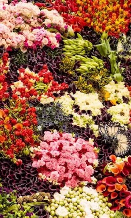 Dit bekende schilderij werd levensgroot nagemaakt met 26.000 echte bloemen