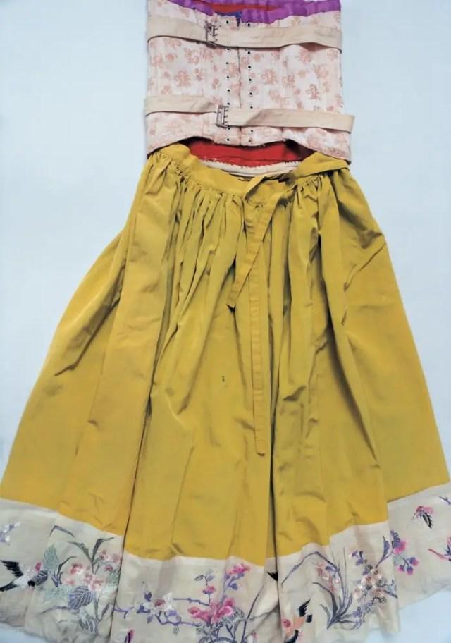 hidden-frida-kahlo-wardrobe-ishiuchi-miyako-4