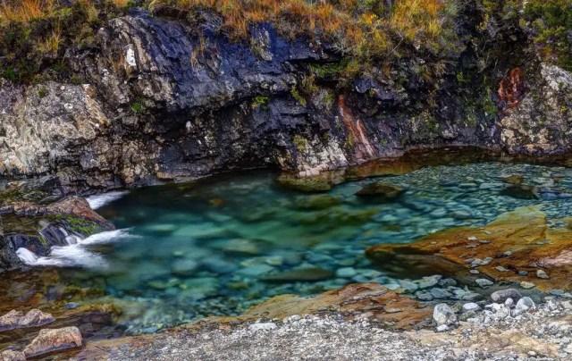 Het kristalheldere en azuurblauwe water van de Fairy Pools | Beeld 123rf