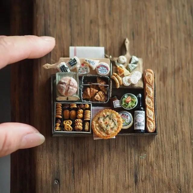 handmade-miniature-art-japanese-artist-kiyomi-9-5a16deb4d0e5c__700