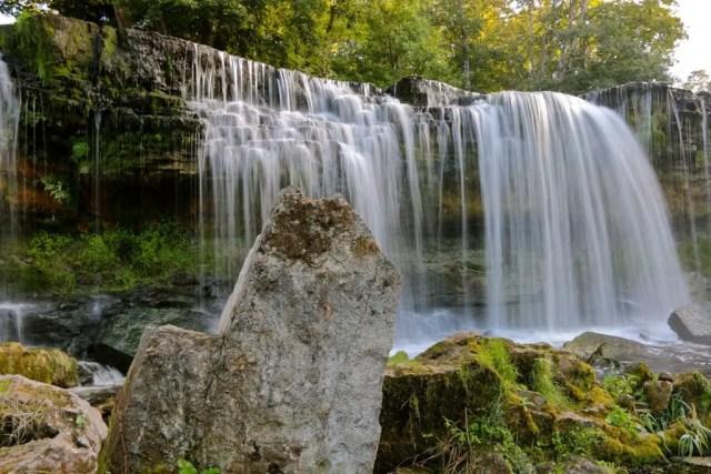 De Keila Waterval is een van de grootste watervallen van Estland.