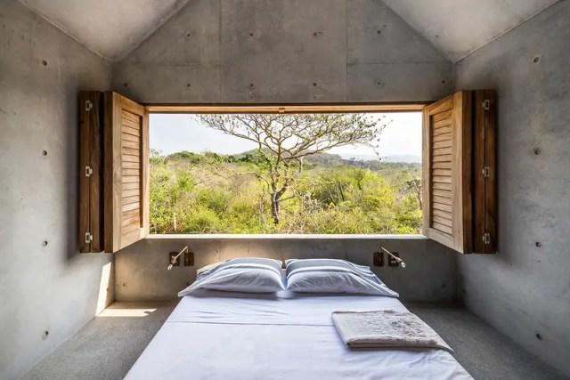 Wide-Angled-Window-of-the-Mezzanine-Bedroom-of-Casa-Tiny