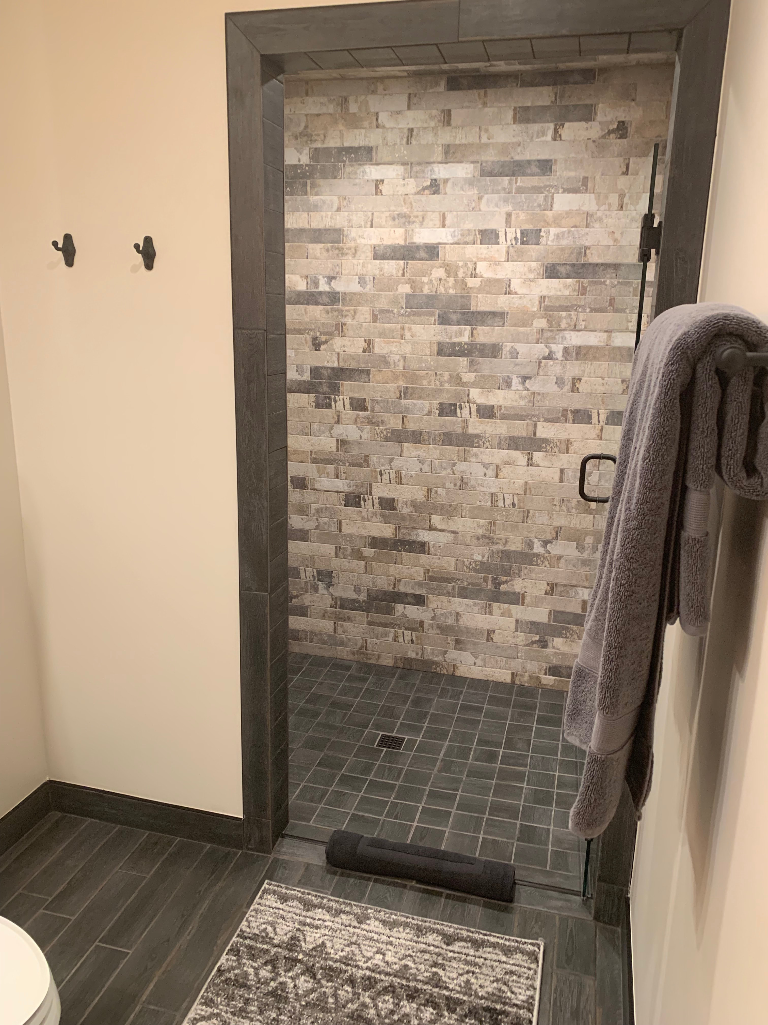 small stall shower 3x3 or 4x4