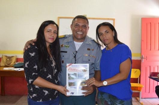 Prof. Lidiane, Sarg. Jean e diretora Raydamara