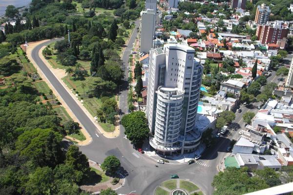 Paraná: Maran Suites & Towers
