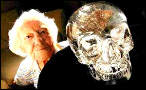 Anna Mitchell-Hedges et le crâne de cristal