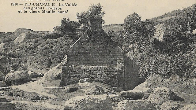 Vallée des grands Traouïéros et ruines du moulin hanté