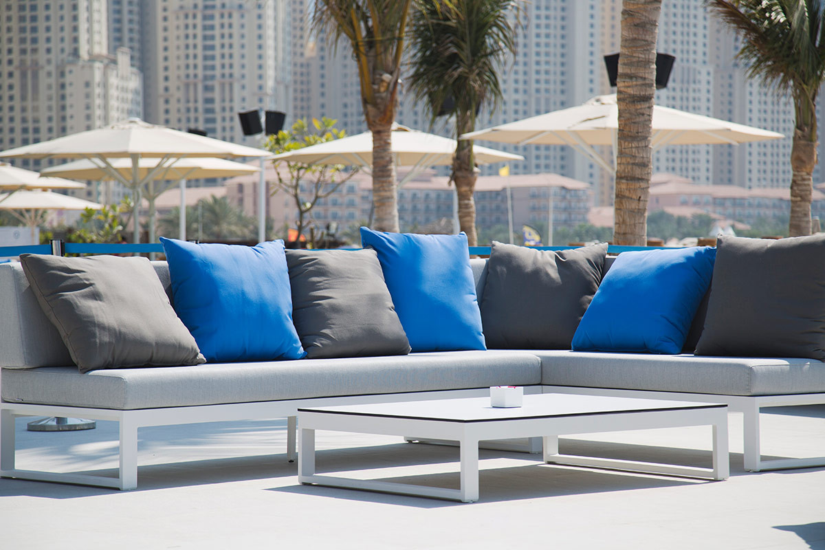 outdoor restaurant and bar furniture - Garden Furniture Dubai