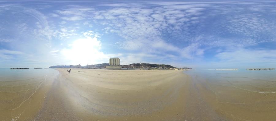 Foto Spiaggia di Lido Riccio
