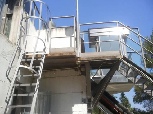La cabina panoramica dell'ascensore inclinato a fune.