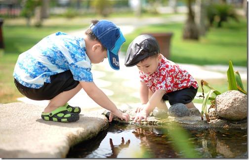 Des enfants qui respectent les règles, mais sans être frustrés
