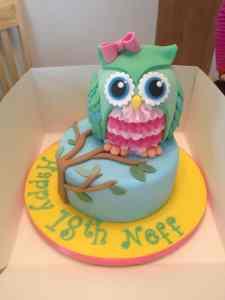 Owl birthday cakes