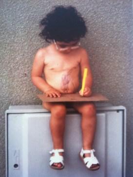 Quand elle était petite, Florence s'amusait à dessiner sur son ventre, au lieu de regarder la télé. Mais ça, c'était avant.
