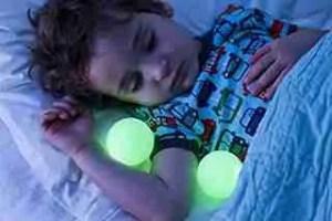 Baby-sleep-with-Boon-Glo-Nightlight-with-Portable-Balls