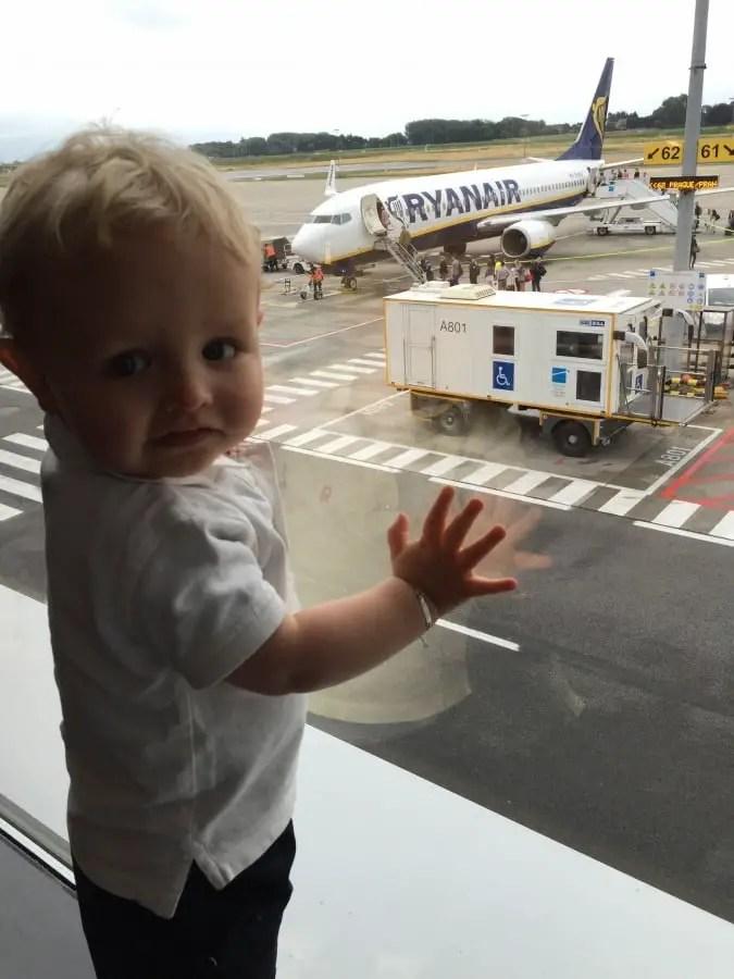 Voyager en avions avec bébé