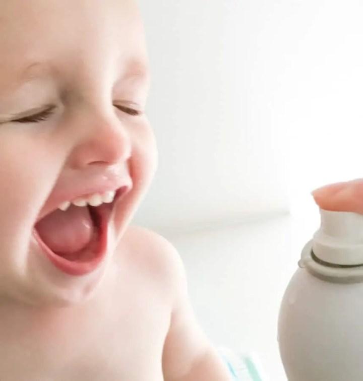 canicaule enfant se rafraichir baby bébé spay evian eau thermale voyage et enfant voyager avec bebe