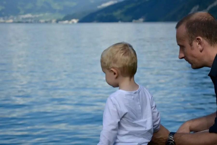 Lac de Lucerne blog-de-voyage-voyage-en-famille-parents-blog-de-maman-voyage-avec-bebe-destination-enfants-roadtrip-italie-toscane-suisse-itineraire-lucerne-autoroute-vignette-airbnbthumb_dsc_0435_102