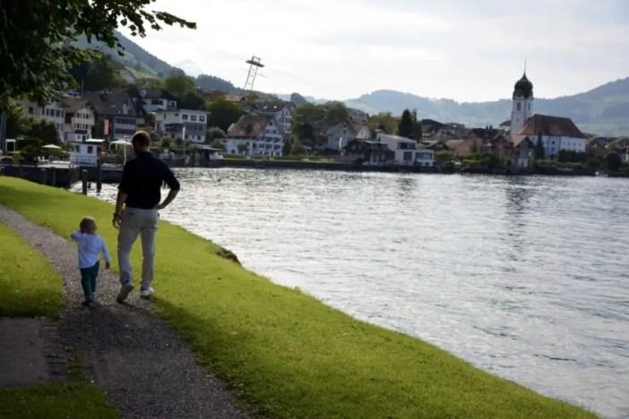 Lac de Lucerne blog-de-voyage-voyage-en-famille-parents-blog-de-maman-voyage-avec-bebe-destination-enfants-roadtrip-italie-toscane-suisse-itineraire-lucerne-autoroute-vignette-airbnbthumb_dsc_0445_102
