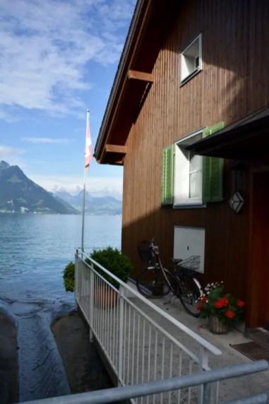 blog-de-voyage-voyage-en-famille-parents-blog-de-maman-voyage-avec-bebe-destination-enfants-roadtrip-italie-toscane-suisse-itineraire-lucerne-autoroute-vignette-airbnbthumb_dsc_0455_102