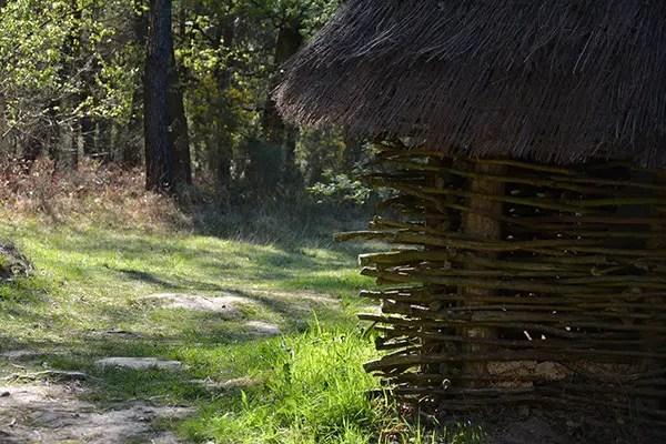 reconstitution maior neolithique Brocéliande en famille
