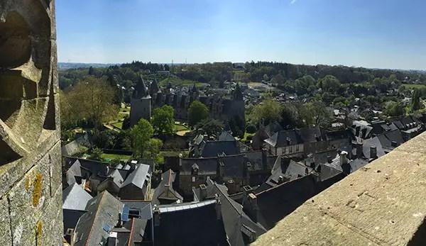 vue panoramique sur le château de josselin Brocéliande en famille