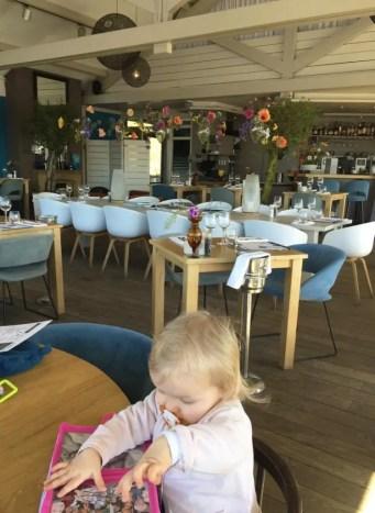 intérieur restaurant avec un enfant Noordwjick