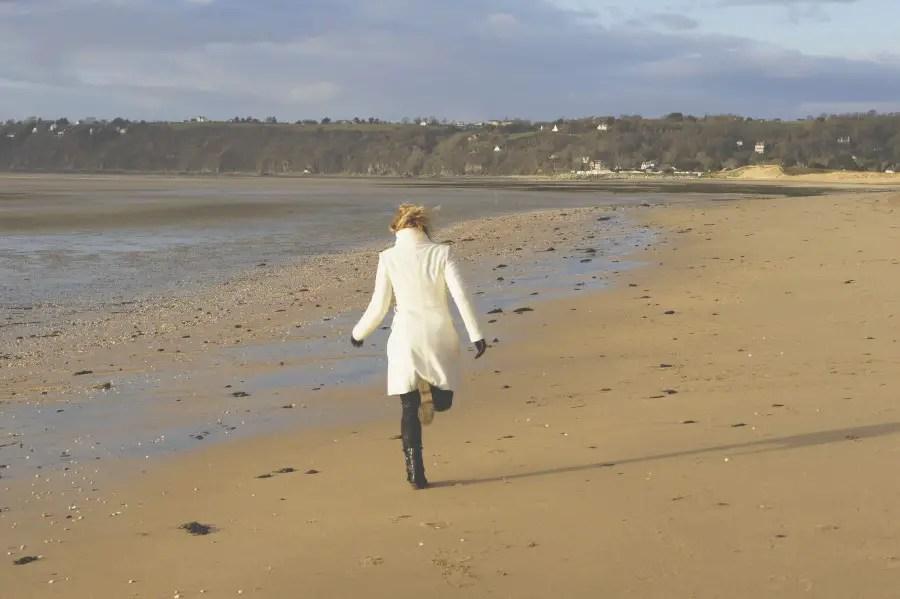 que visiter au mont saint michel et sa baie 1, courir sur la plage