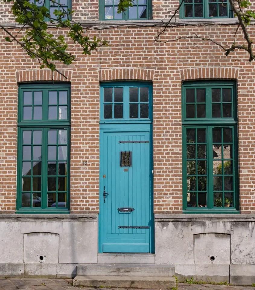 façade de rue du nord en briques lille