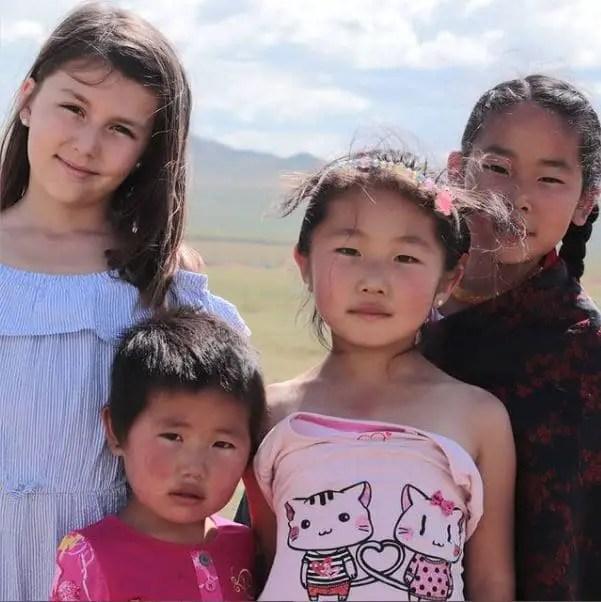Tour du monde enfants - Enfants Mongolie