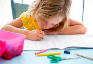 kids_writing_at-School