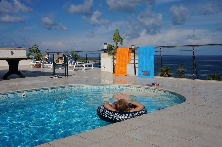 villa kentia, james villas, malta, pool