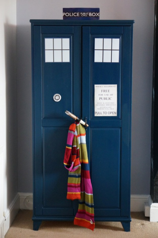 How-to-make-a-Dr-Who-Tardis-Wardrobe-03-680x1024