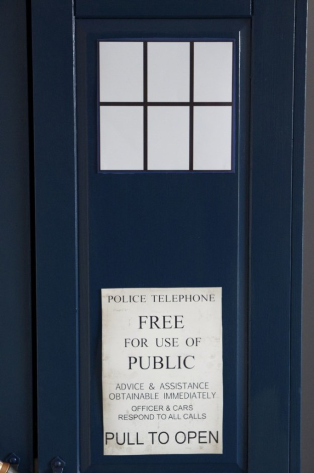 How-to-make-a-Dr-Who-Tardis-Wardrobe-05-680x1024