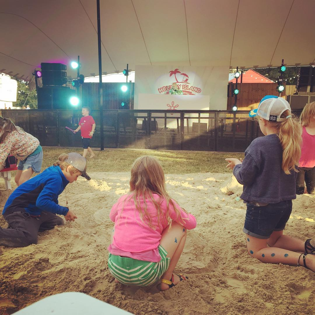Half @campbestival and half Majorca with @firstchoiceholidays - sand, outdoors, music and a cocktail bar = happy families #justsayyes #campbestival