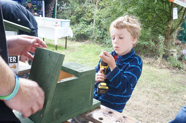 making bird boxes at Wow with Macclesfield RSPB Young Explorers
