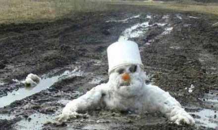 Dopo un'estate trascorsa nelle viscere della terra, il pupazzo di neve tornava in superficie per continuare ad uccidere gli esseri umani