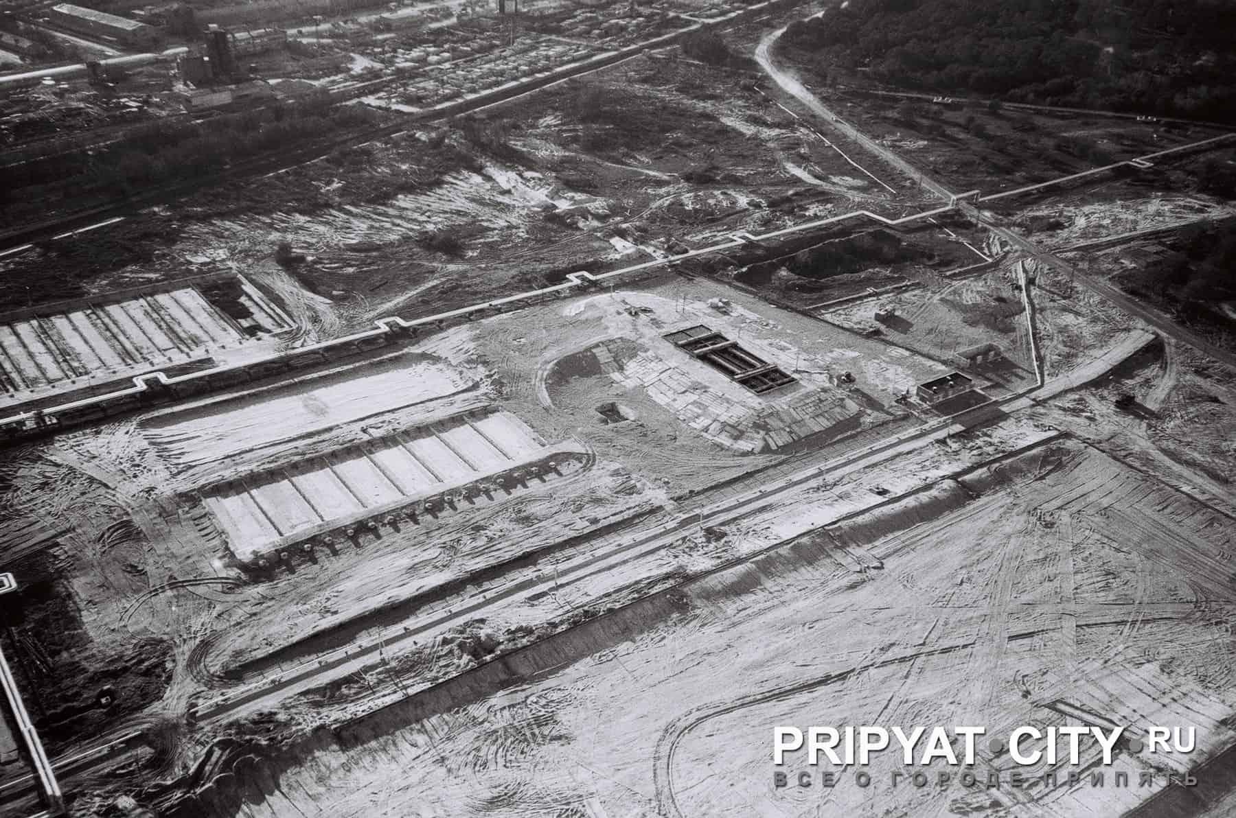 Foto della costruzione della centrale nucleare di Chernobyl